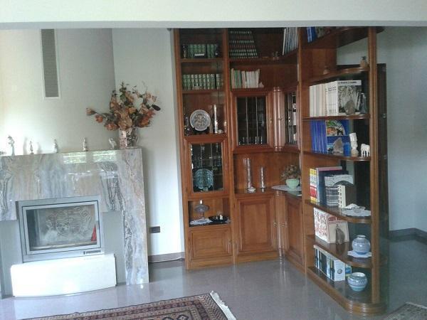 Parete attrezzata porta tv classica in legno idee - Parete attrezzata classica bianca ...