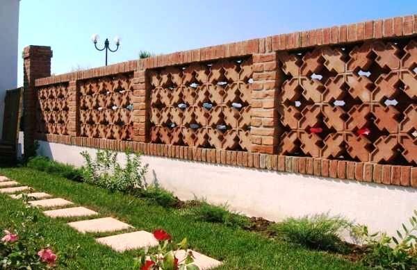 Recinzioni in muratura a graticciate come si realizzano - Mattoni da esterno prezzi ...