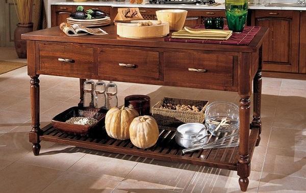 Cucine in legno naturale - Banco da lavoro cucina ...