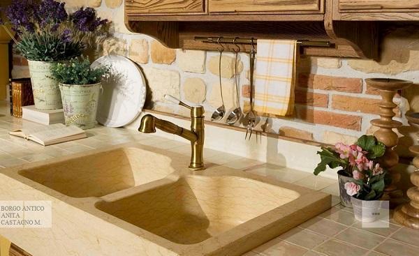 Cucine in legno naturale: Borgo Antico, Anita castagno mielato