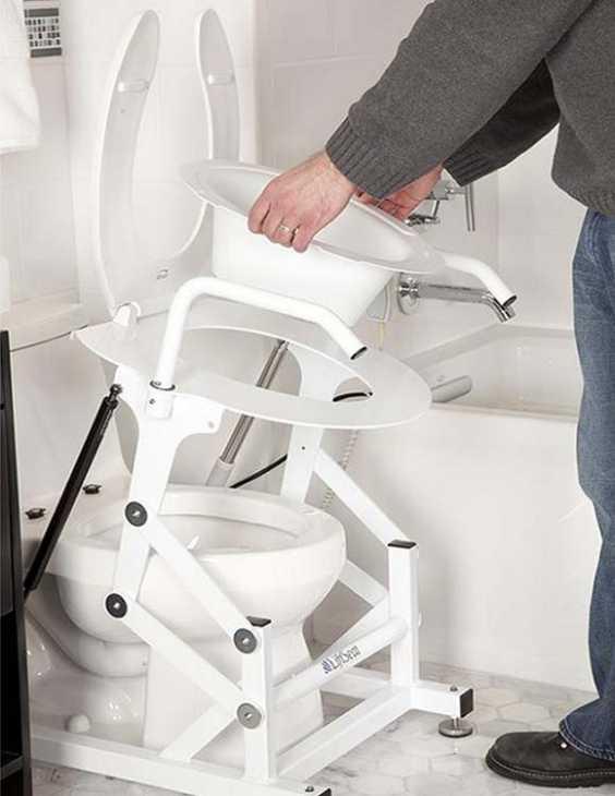 Sanitari per anziani e disabili: sollevatore wc Ambrogio