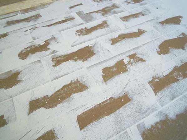 Perfect stuccatura delle fughe with pavimenti in resina for Pavimento in resina pro e contro