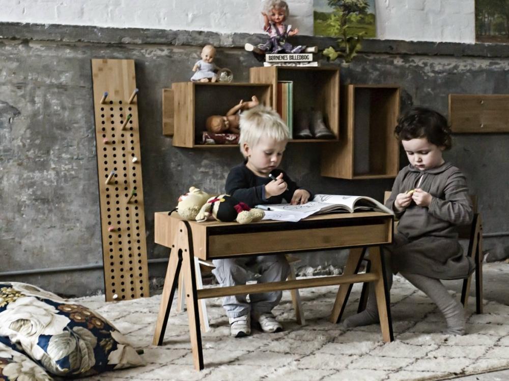Tavolino per bambini in bamboo, Monellini
