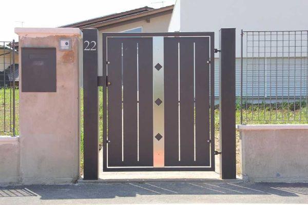 Cancello in metallo progetto per l 39 ingresso pedonale - Cancelletto in legno per esterno ...