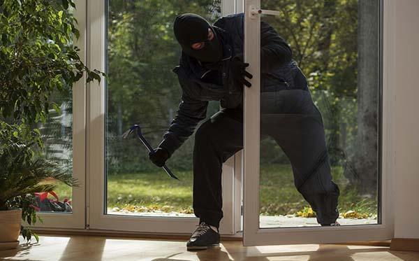 Inferriate di sicurezza: ladro in casa