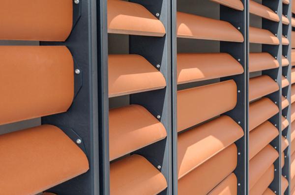 Schermature frangisole - Facciata ventilata cotto by Terreal