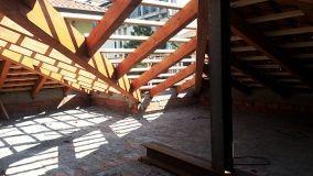 Sostituire la struttura di un tetto in legno