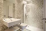 Una parete doccia per bagno
