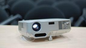 Video proiettori ad alta definizione