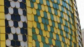 Tetti mediterranei realizzati con tegole colorate