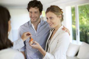 Intestazione casa: la consegna delle chiavi
