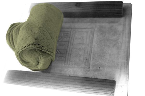 Metodi arcaici di decorazione delle piastrelle - Tecnica dell'aresta - Arch. Luca Maioli