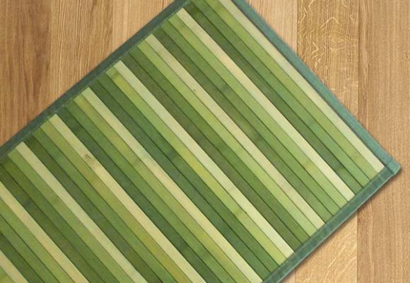 Tappeto in bamboo colorato