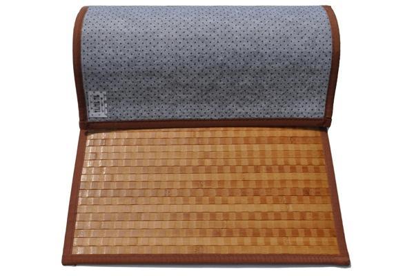 Tappeto in bamboo con vista del fondo