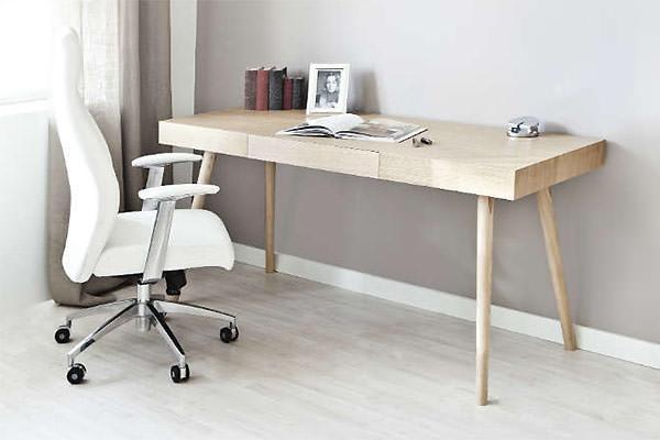 Scrittoio la scrivania salvaspazio for Scrittoio per ufficio