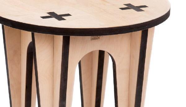 Particolare tavolino ad incastro, taglio laser di Mario Pagliaro Design