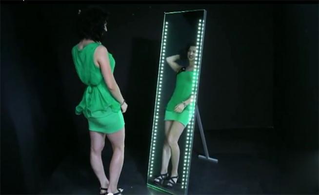 Specchio a figura intera Carina di Vanità Casa