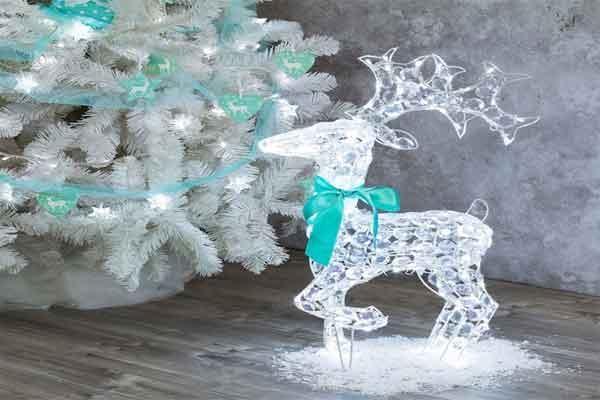Renna con cristalli e gamba piegata di Luminal Park
