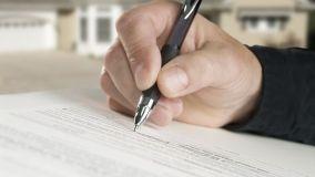 Contratti: firma e adempimento