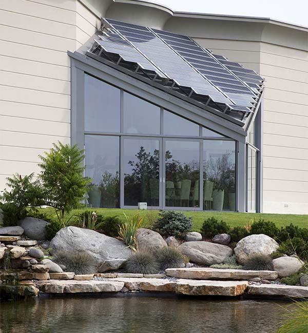 Veranda con pannelli fotovoltaici Metra