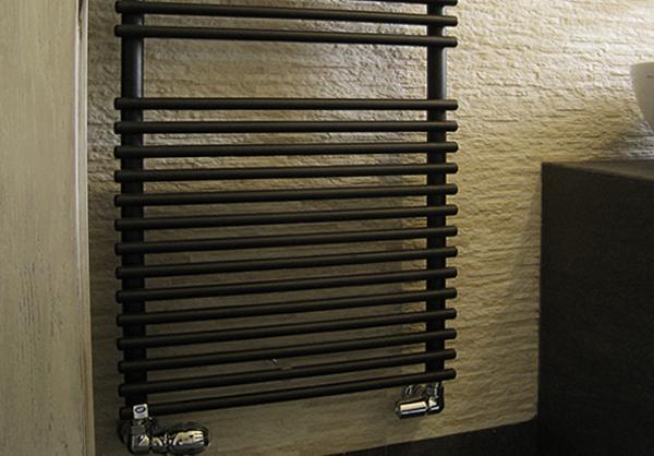 Valvole termostatiche cromate by Lacasapensata
