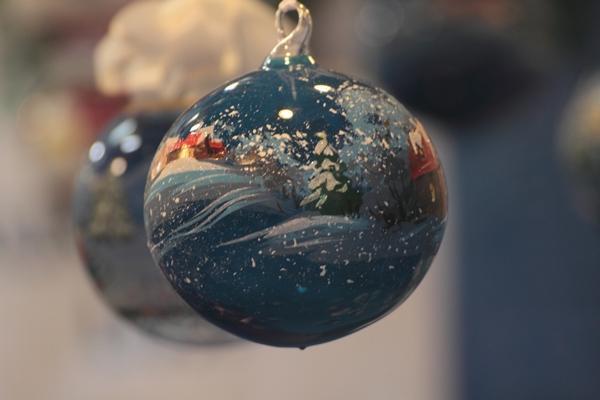 Pallina natalizia azzurra