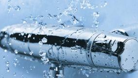 Sicurezza e risparmio idrico con i miscelatori termostatici