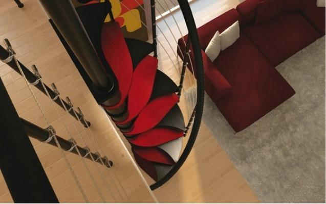 Dettaglio gradini mini scala a chiocciola di Rintal