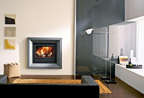 Modello termocamino a legna piatto in acciaio di Edilkamin