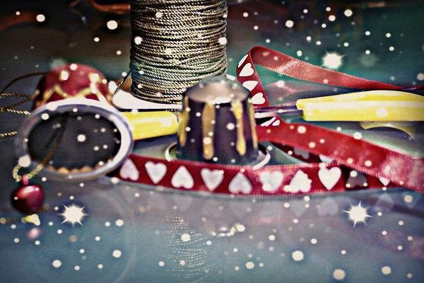 Campanelline ricavate da cialde di caffè, di Elvana Brizio; foto di Fabio Bartone