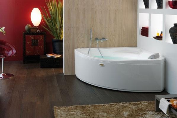 Vasche da bagno angolari per il relax domestico