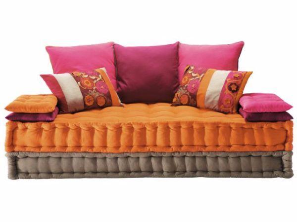 Cuscini per divani un tocco decorativo in casa - Un divano per dodici ...