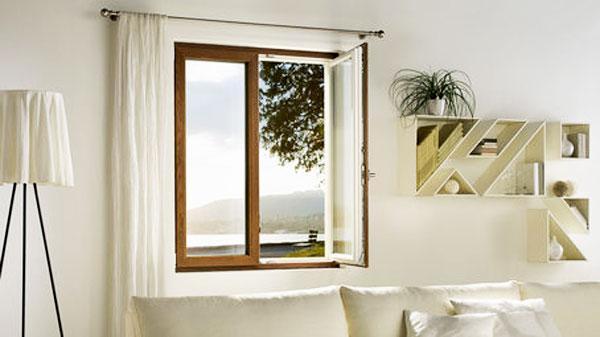 Immagine di finestra in PVC e legno di Finstral