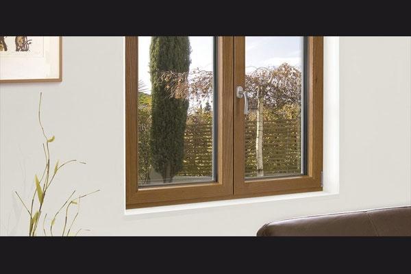 Finestra in PVC e legno di Finstral