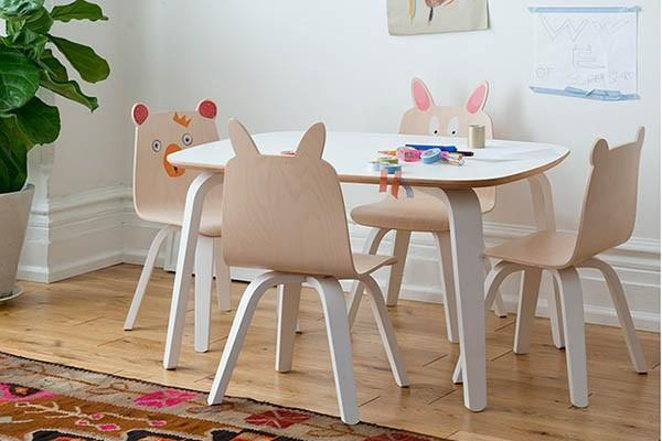 Tavolo per bambini Oeuf, Le CIvette sul comò