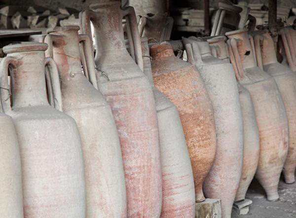A particolari condizioni, in Italia il possesso e collezionismo di reperti archeologici è legale.