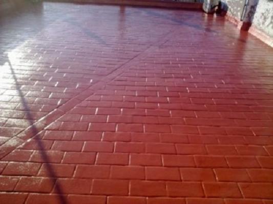 Pavimento impermeabilizzato con poliuretano a spruzzo di Intpoliuretani