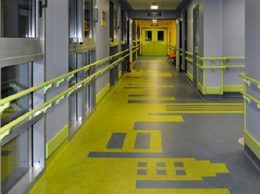 Pavimento personalizzato labirinto di  Forbo - Flooring Systems