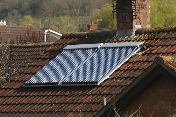 foto pannello solare per acqua calda