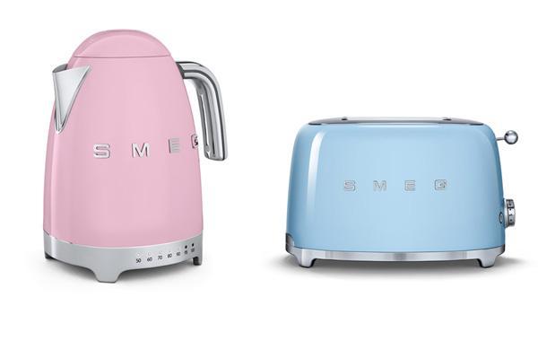 Piccoli elettrodomestici Smeg con colori Pantone