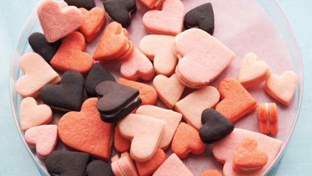 Decorazioni, idee regalo e dolci ricette per la serata di San Valentino