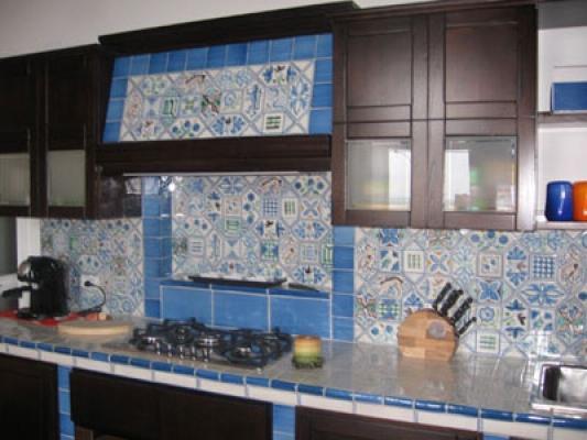 Cucina in muratura - Piastrelle vietri cucina ...
