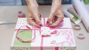 Come realizzare scatole regalo home made con materiali di riciclo