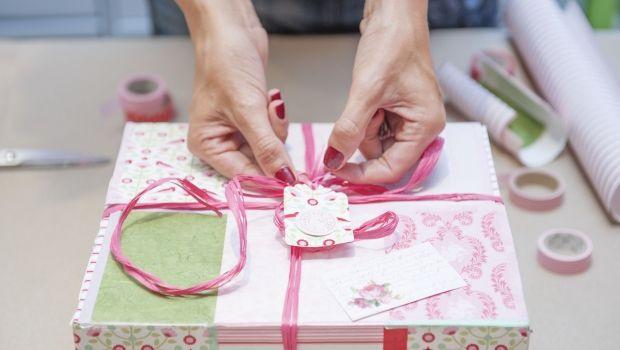 Come realizzare scatole regalo home made con materiali di riciclo