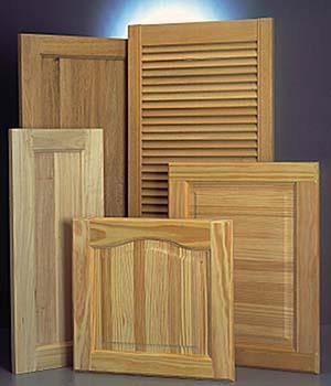 Modelli differenti di ante prefinite in legno