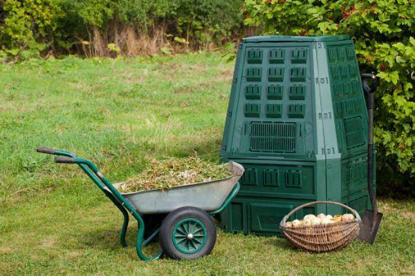 Compostiera per rifiuti domestici