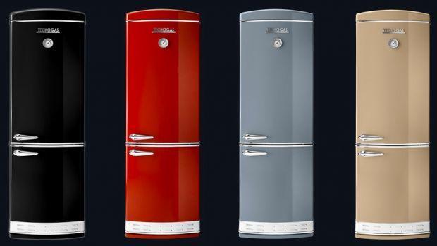 Una cucina dal sapore retrò con i frigoriferi vintage
