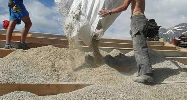 Isolamento copertura in calce canapa. Foto di Calcecanapa®