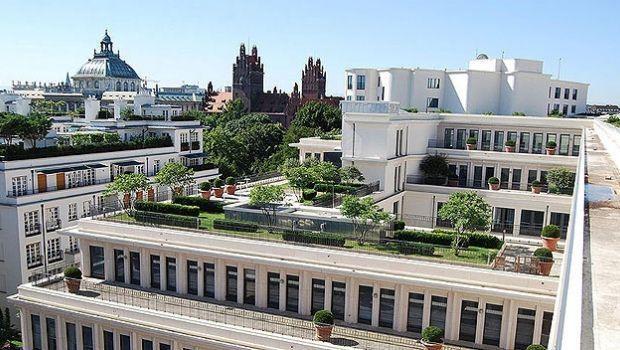 Riqualificare edifici con la realizzazione di tetti verdi naturali e sintetici