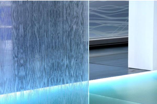 Una parete in vetro Madras-wenghè chiaro